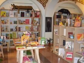 La libreria specializzata per ragazzi La Luna al Guinzaglio era una libreria per bambini e ragazzi di Termoli (CB) 0875 84092 lalunaalguinzaglio@gmail.com