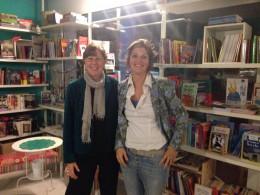 Linda Newbery e Lorenza della libreria Cartamarea