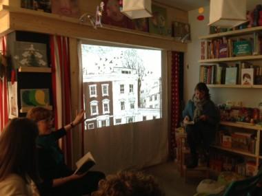 Linda Newbery durante il suo intervento alla Libreria Radice-Labirinto di Carpi